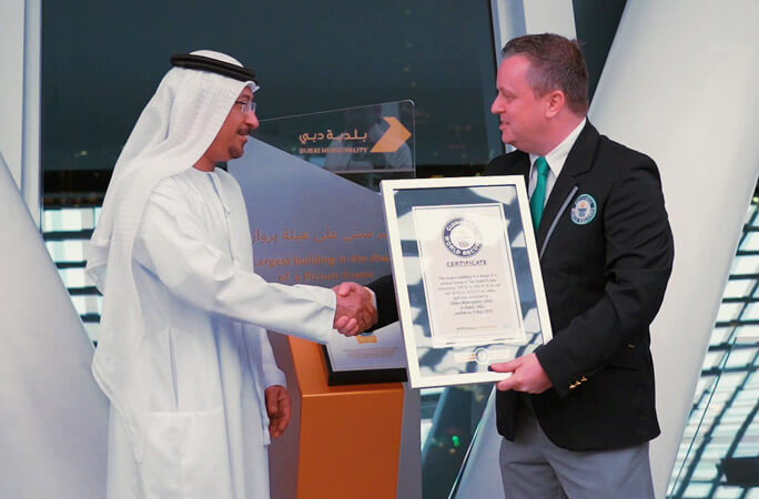 Guinness World Records certificate hand by the adjudicator